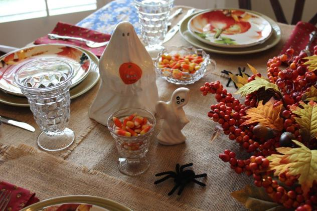 Belle Bleu Interiors-A Sweet and Spooky Halloween Table 8
