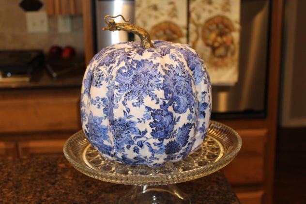 Belle Bleu Interiors Designing a Faux Pumpkin 5