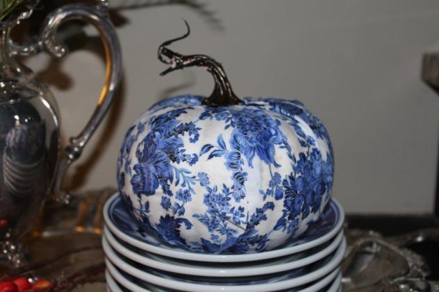 Belle Bleu Interiors Designing a Faux Pumpkin 6