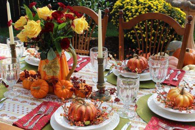 Belle Bleu Interiors Outdoor Fall Tablescape 10