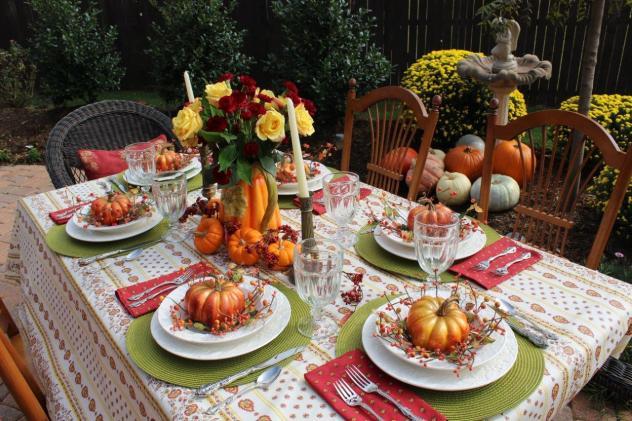 Belle Bleu Interiors Outdoor Fall Tablescape 17