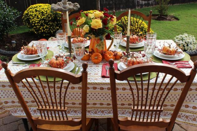 Belle Bleu Interiors Outdoor Fall Tablescape 18