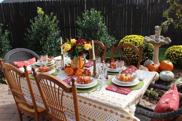 Belle Bleu Interiors Outdoor Fall Tablescape 7