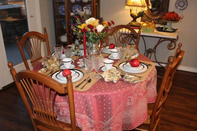 Belle Bleu Interiors Romantic Autumn Tablescape 8