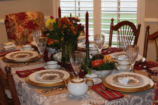 Belle Bleu Interiors Thanksgiving Table 1