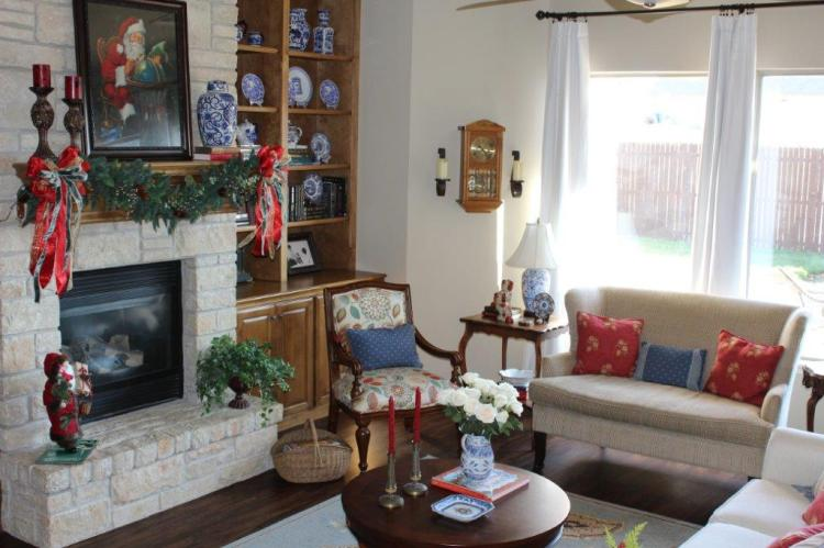 Belle Bleu Interiors Christmas Home Tour 23
