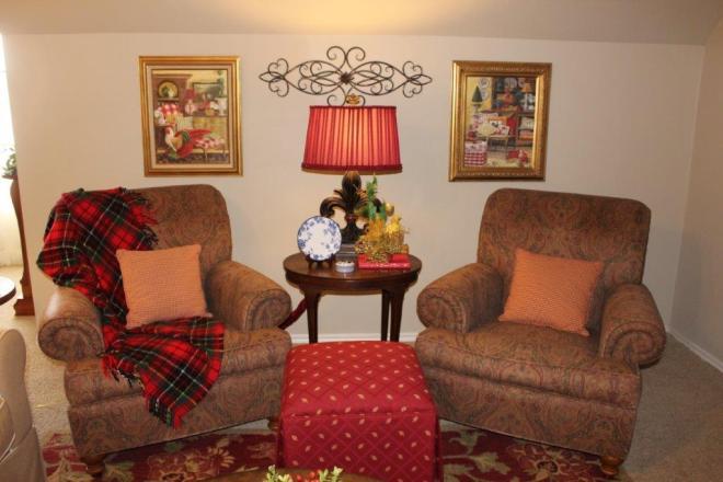 Belle Bleu Interiors Christmas Stairway i
