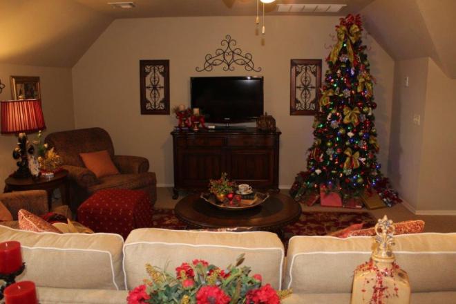 Belle Bleu Interiors Christmas Stairway k