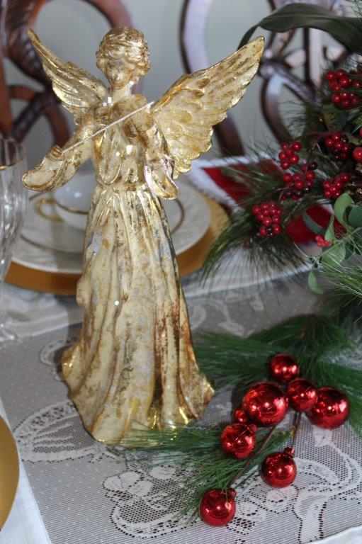 Belle Bleu Interiors Elegant Christmas Tablescape 8