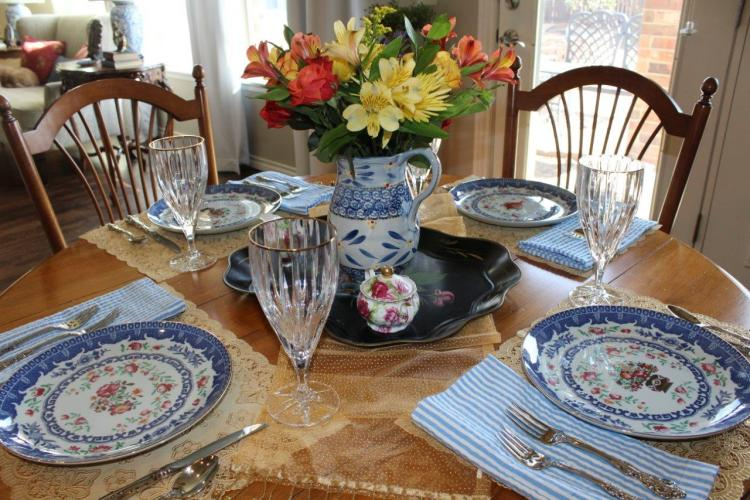 Belle Bleu Interiors A Cheerful and Bright Winter's Table 12