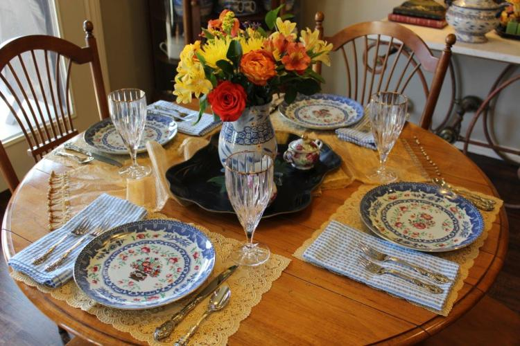 Belle Bleu Interiors A Cheerful and Bright Winter's Table 8