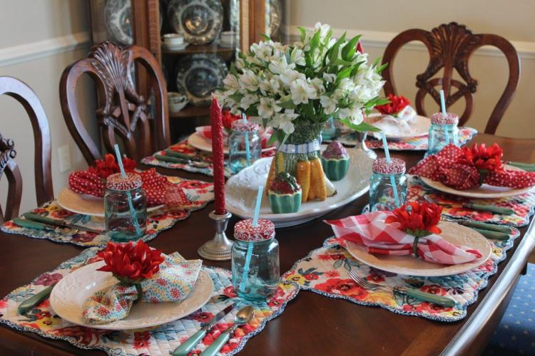 Tablescape Thursday:  The Family Dinner Table
