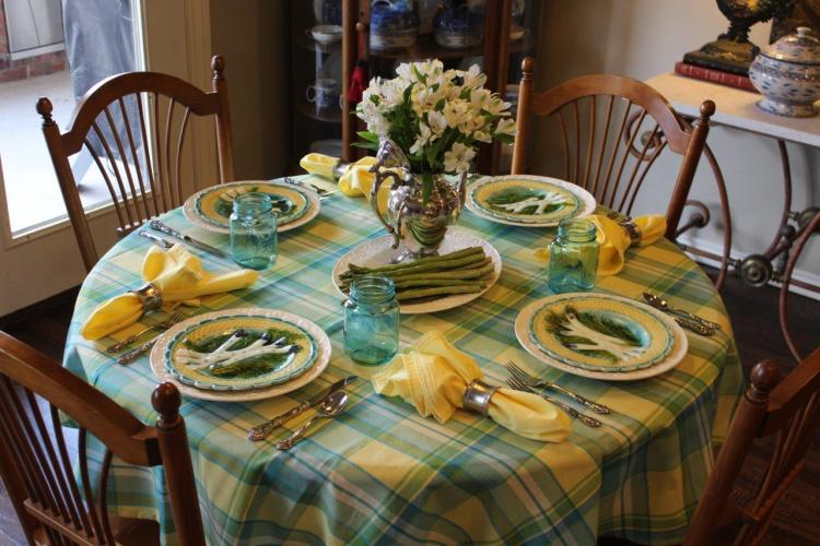 Tablescape Thursday:  The French Asparagus Plate