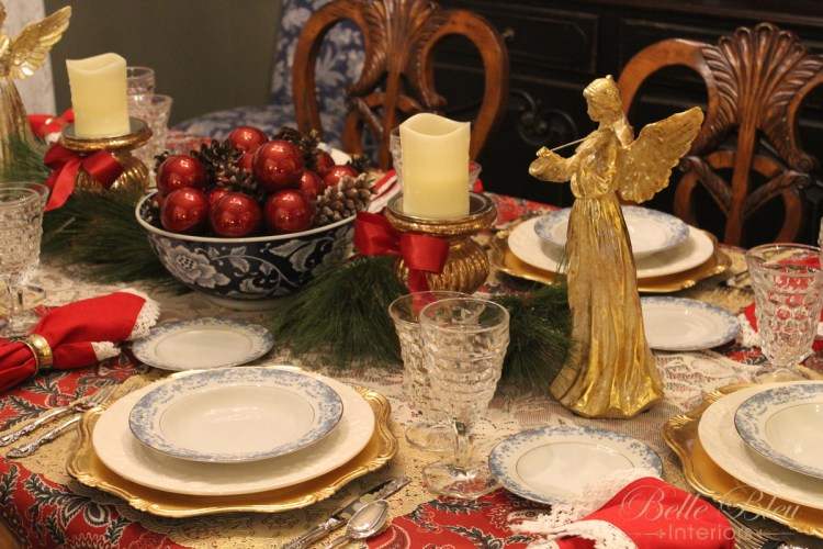 An Angelic Christmas Table