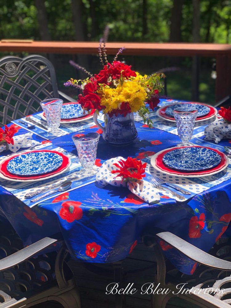 Tablescape Thursday: Celebrating Summer