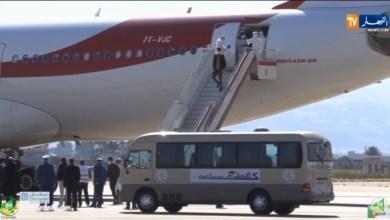 Photo of وصول الطلبة الموريتانيين الأربعة إلى مطارهاوري بومدين في طائرة جزائرية قادمة من ووهان الصينية ..