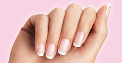 french-manicure-fingrs