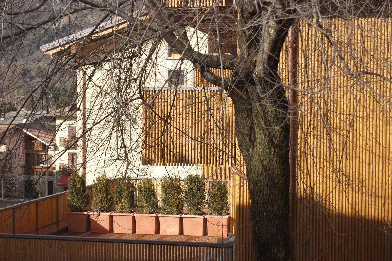 via fantoni: progetto di architettura per la realizzazione di un nuovo complesso commerciale e residenziale in via Fantoni a Castione della Presolana