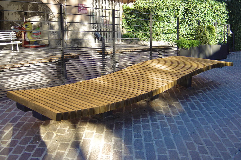 sosta, pensa, vai: progetto urbano e di design per la realizzazione di elementi di arredo urbano da collocare in località Dorga, Castione della Presolana