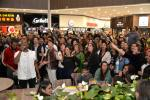 "Flash mob com o coral Black to Black agita a estreia do filme ""O Rei Leão"" no Minas Shopping"