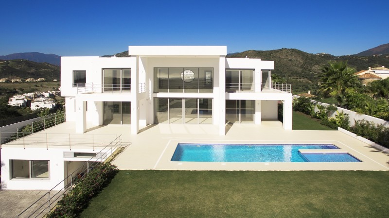 5 Bedroom Villa in Benahavis for Sale