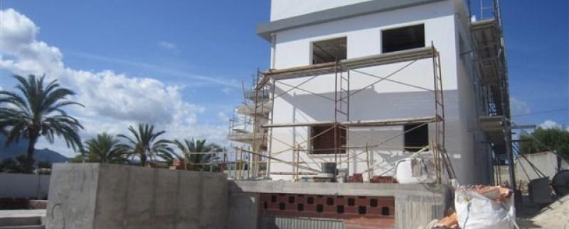 Las grúas vuelven a Málaga con más de 30 nuevas promociones de vivienda iniciadas en 2015