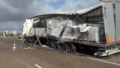 Photo of Choque de dos camiones en la A-66 a la altura de Monfarracinos
