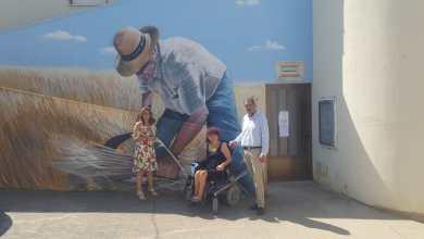 Photo of La Diputación visita la Galería de calle «Arte contra el olvido» en La Torre del Valle
