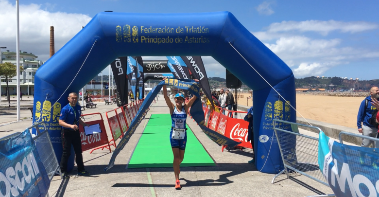 Photo of Pepa García vencedora absoluta en el Triatlón Olímpico de Gijón