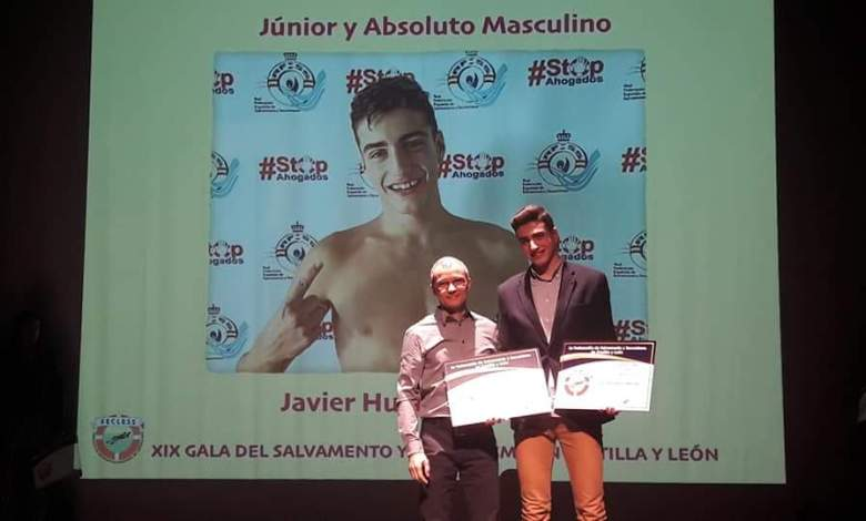 Photo of Javier Huerga mejor socorrista junior y absoluto de Castilla y León