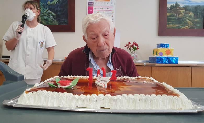 Photo of La Residencia de Villalpando celebra los 101 años de uno de sus residentes