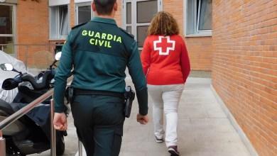 Photo of Guardia Civil Zamora y Cruz Roja, cooperan en el abastecimiento de productos de primera necesidad con varias familias del entorno rural