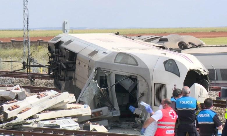 Photo of Fallece uno de los maquinistas, de 31 años, en el descarrilamiento de un tren en Zamora