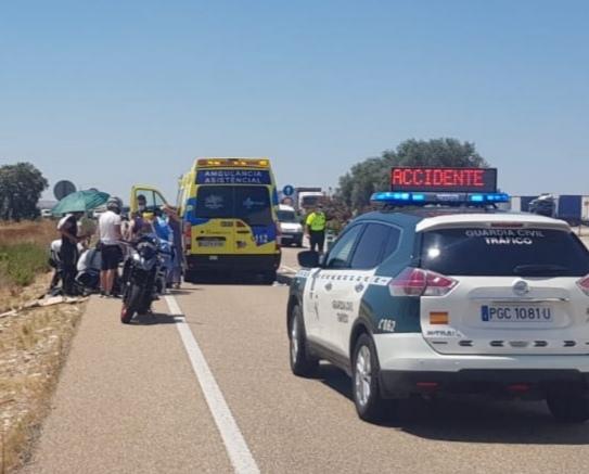 Photo of Trasladados al hospital tras chocar con sus motos a la altura de Muelas del Pan