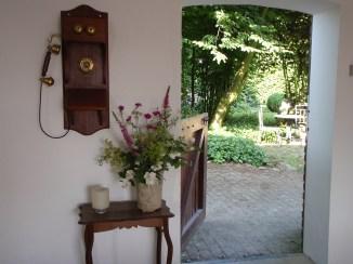 Een doorkijkje naar de tuin