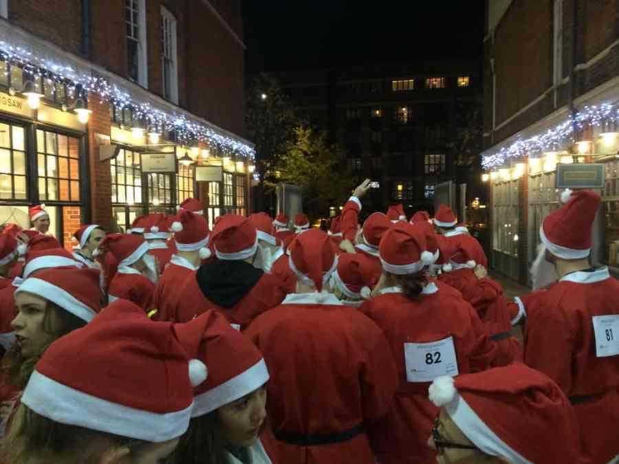 starting line for the london santa dash