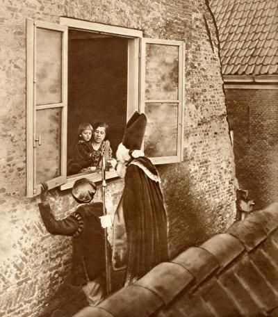 Sinterklaas on the roof