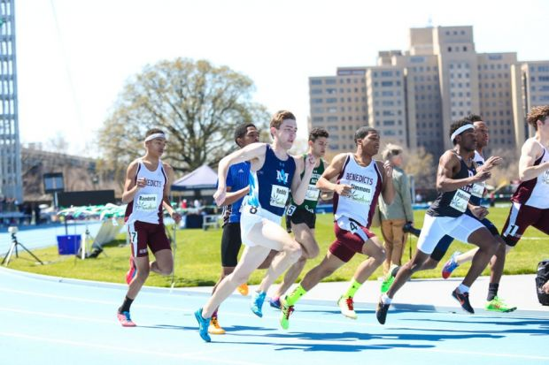 Senior+Scott+Bamberg+and+UDII+Byron+Simmons+running+the+800-meter+run.+Byron+ran+1+minutes+and+59+seconds+and+Scott+ran+2%3A00.