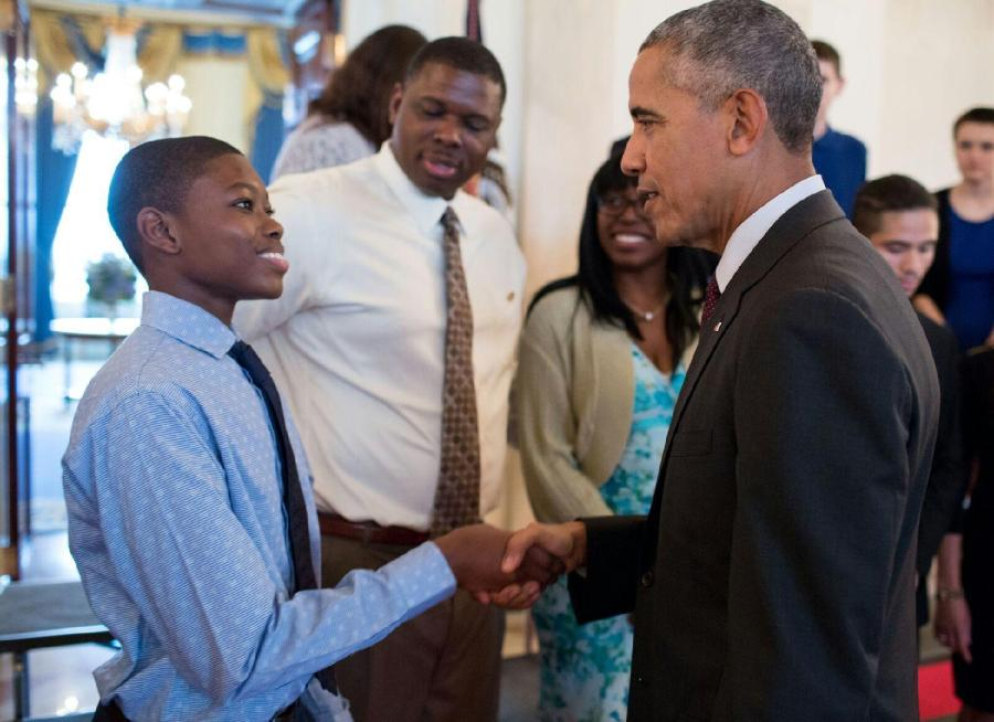 Freshman Meets President in the White House