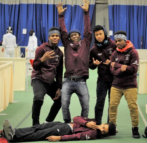 Relay Team Wins Surburban 4×4 at Millrose Games