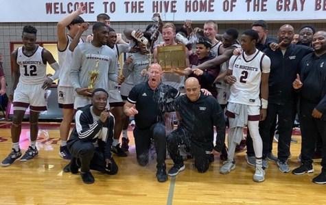 Basketball: Team Soars