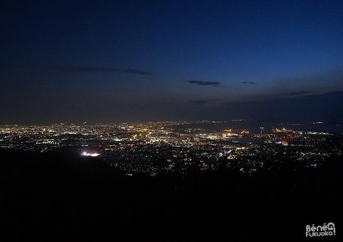 Vue de nuit Fukuoka - Tachibana-yama