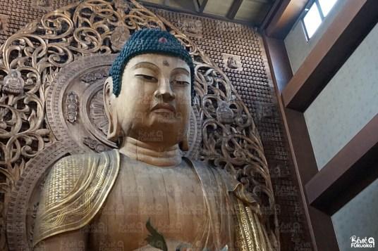 Le Bouddha en bois du temple Tôchô-ji, Fukuoka