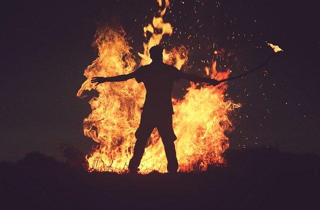 homme feu