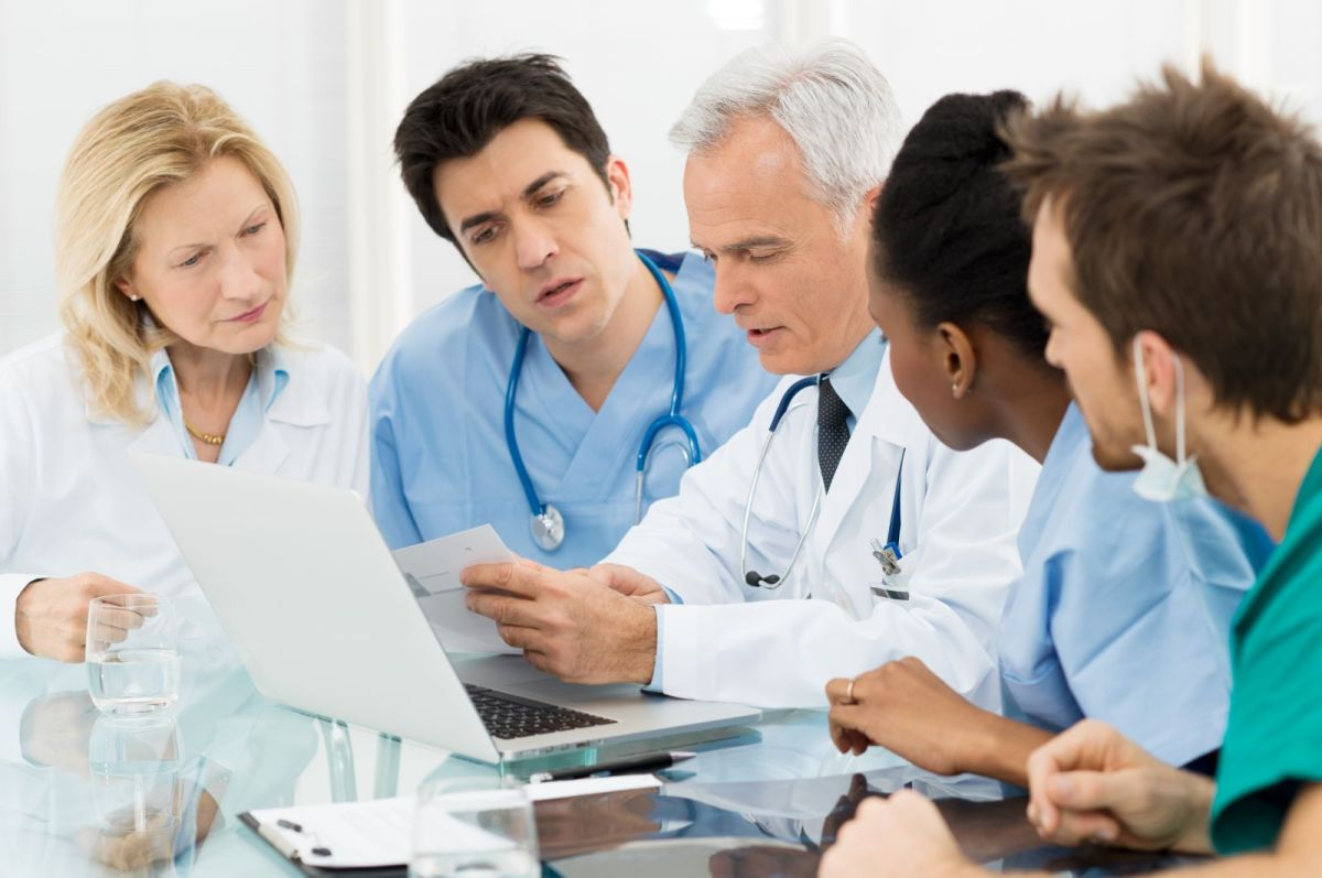 doctors-meeting_-group-of-doctor