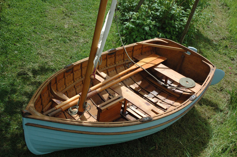 Auk tender blue - gunter rig and row boat - Ben Harris Wooden Boats