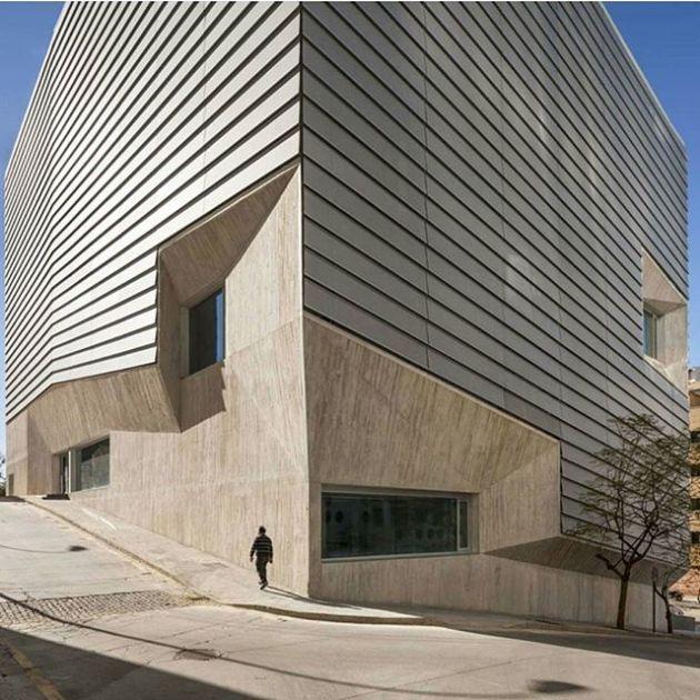 Luxury and Modern Buildings 26