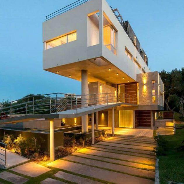 Luxury and Modern Buildings 52