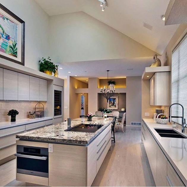 Luxury and Modern Buildings 112