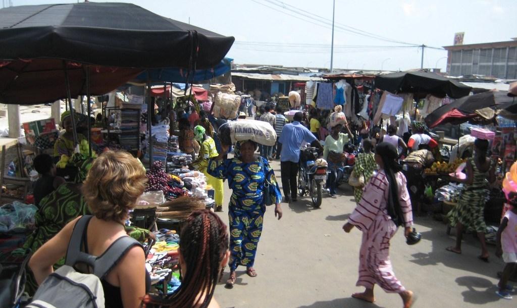 Une vue du marché de Cotonou | Photo : IT'S GOOD TOGO / Illustration